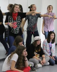 Диана Вишнякова по центру — 2 года в Соревновательной группе «Драйв»